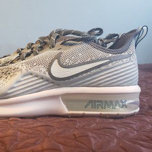 Women's Nike Air Max Sequent 4 Running Shoe
